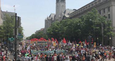 Miles marchan en Washigton contra Trump y su política que empeora el cambio climático