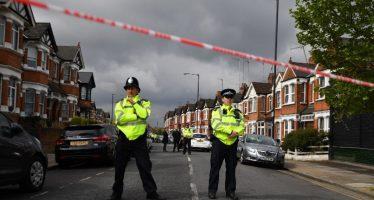 Operativo antiterrorista en Londres deja una mujer herida y seis detenidos