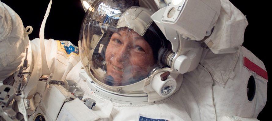 Astronauta Peggy Whitson establece récord de tiempo en misión EVA