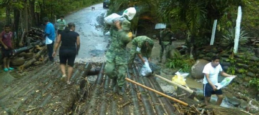 Lluvias históricas en serranía de Tabasco causan deslaves y derrumbes; aplican Plan DN-III