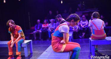 Obra de Teatro: La Nostalgia de las Pequeñas Cosas