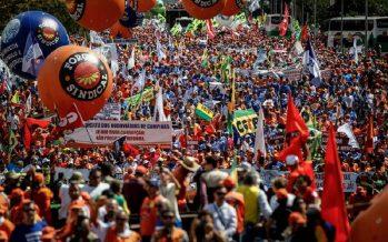 Protestan en Brasilia 25 mil personas que piden la renuncia del presidente Temer