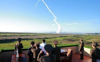 China pide a Corea del Norte retomar diálogo tras lanzamiento de misil coreano