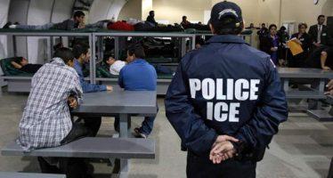 Ciudadana de EU demanda a Oficina de Inmigración por trato racista
