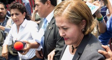 """Eva Cadena se dice víctima de una trampa y acusa a Morena de """"financiamiento ilegal"""""""