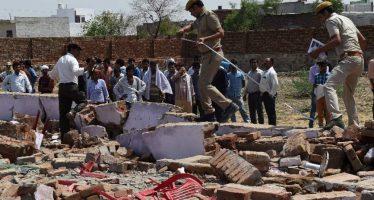 Muro cae sobre invitados a una boda en la India, dejando 24 muertos
