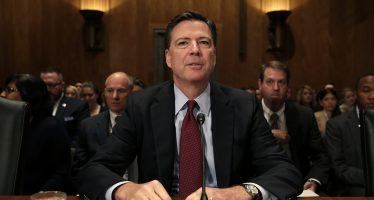 Senado llama a testificar al ex director del FBI, James Comey, por comicios de 2016