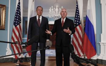 Se reúnen en EU el ministro ruso Serguéi Lavrov y su homólogo Rex Tillerson