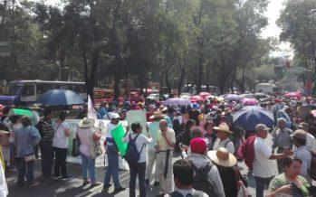 En el Día del Maestro, profesores de la CNTE marchan a la Segob
