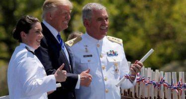 Se gradúan con honores tres marinos mexicanos en escuela naval de EU