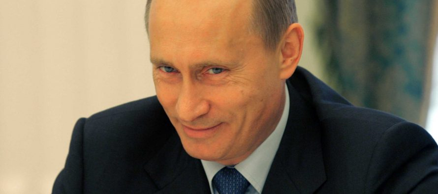 """El Kremlin """"debe estar riéndose de EU"""" por investigación de injerencia rusa en elecciones: Trump"""
