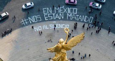 Periodistas protestan en el Ángel de la Independencia por asesinato de compañeros