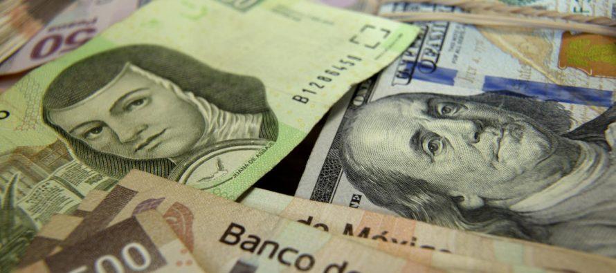Dólar se perfila hacia su peor semana desde 2016 por crisis política de Trump
