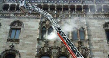 Simulacro de incendio en el Palacio de Correos sorprende a transeúntes capitalinos