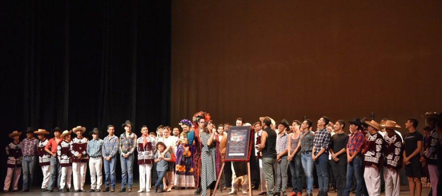 Festeja Compañía México de Colores su Sexto Aniversario en el Teatro de la Ciudad Esperanza Iris