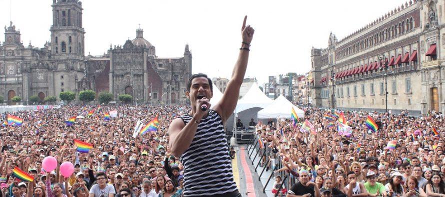 Charlie Massó triunfa en la capital mexicana, se presentó ante medio millón de personas en el marco de la XXXIX Marcha del Orgullo LGBTTTI que se celebró en la CDMX