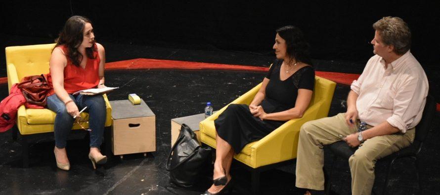 """Conversatorio con la autora de la obra """"Baby Boom en el Paraíso"""", la poeta y dramaturga costarricence Ana Istarú, acompañada por la dramaturga y directora mexicana Amaranta Leyva en el Foro La Gruta"""