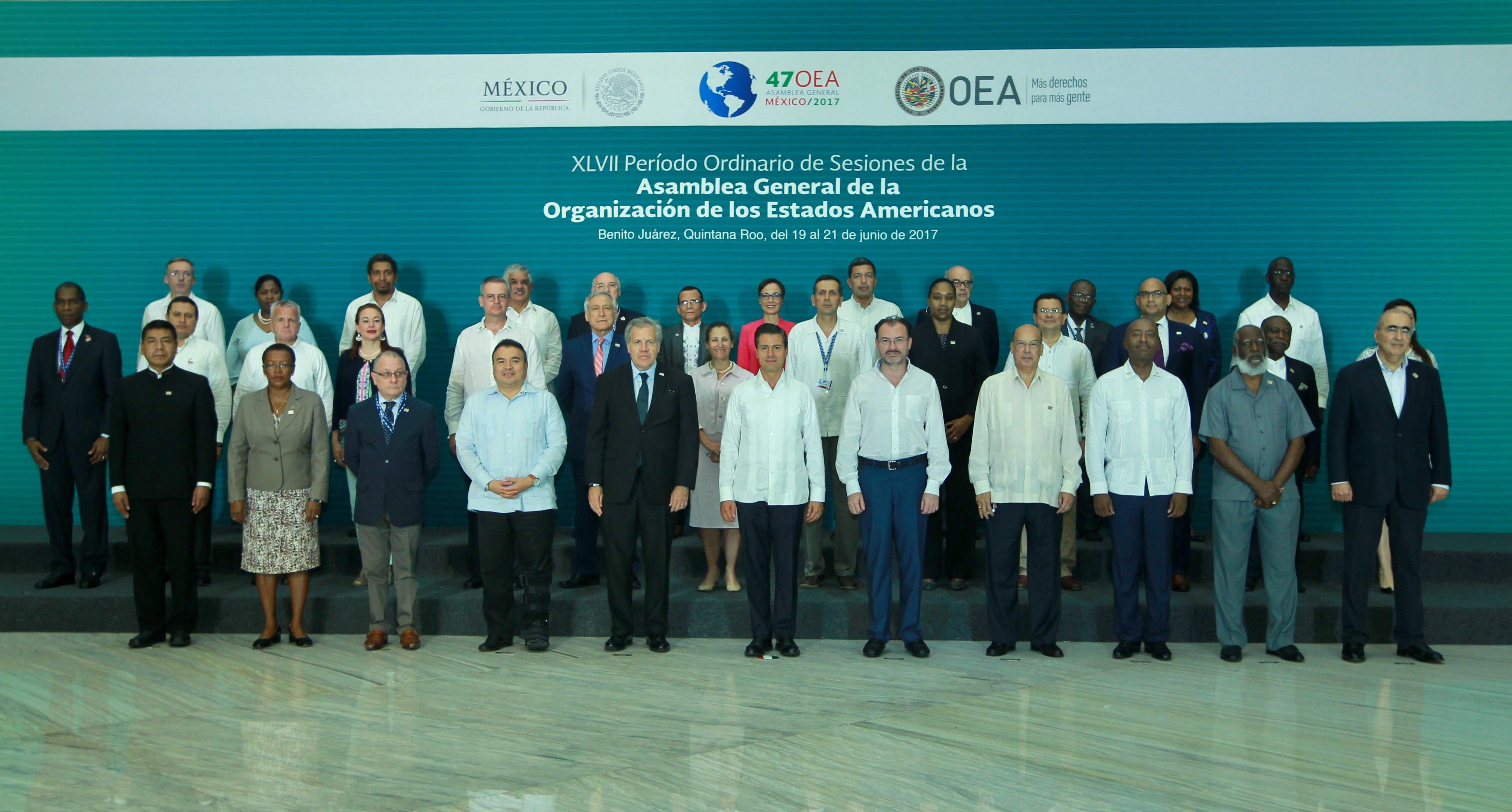 Foto Oficial Inauguración de la 47 Asamblea General de la Organización de Estados Americanos, en Cancún, Quintana Roo. Cortesía de SRE.