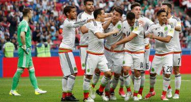 México remonta marcador adverso y se impone 2-1 ante Rusia