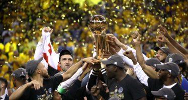 Warriors, triunfadores de la NBA, se niegan a visitar a Trump