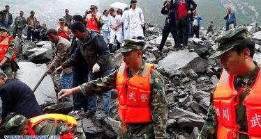 Deslizamiento de tierra sepulta a más de 100 personas en Sichuan, China