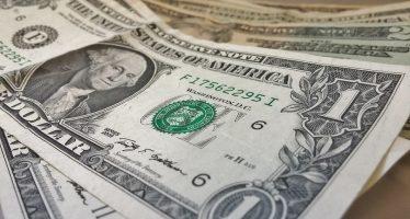 Dólar se vende hasta en 18.25 pesos y se compra en 16.85