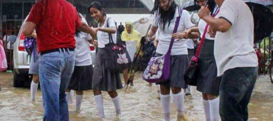 Tormenta Calvin deja 27 escuelas dañadas en Oaxaca