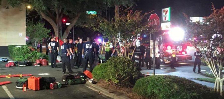 Por maleta sospechosa, evacúan club Pulse, donde hace un año el EI mató a 49 personas