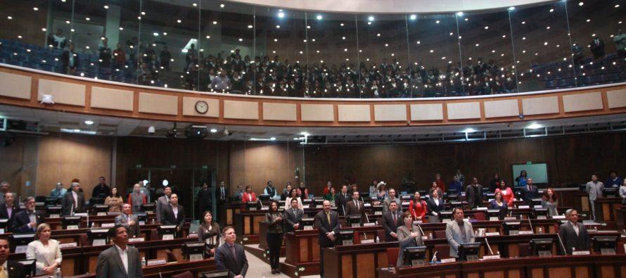 Maduro rechaza asalto a Asamblea que dejó cinco diputados heridos
