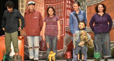 Balsa sin remos, un viaje por el hogar de los niños sin refugio: las calles