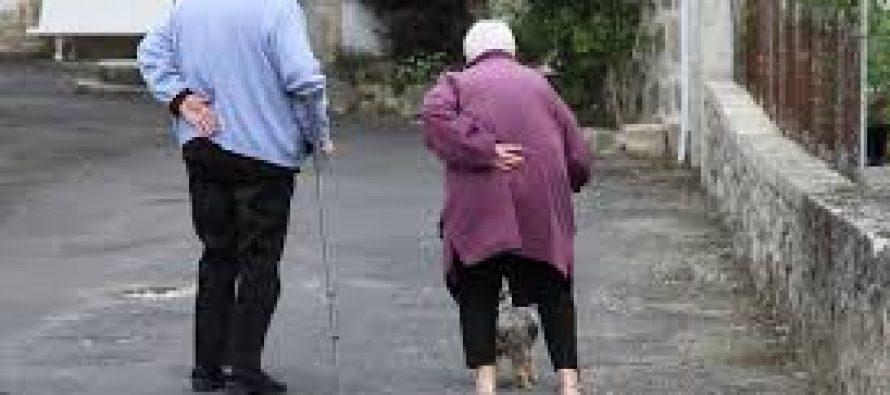 Adultos mayores deberán recibir alimentos y cuidados, por ley
