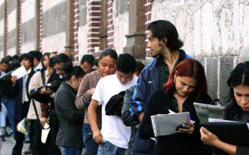 Desempleada, la mitad de los jóvenes con prepa o licenciatura