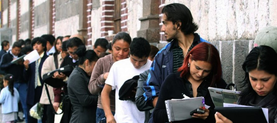 Jóvenes con licenciaturas truncas, los más empleados