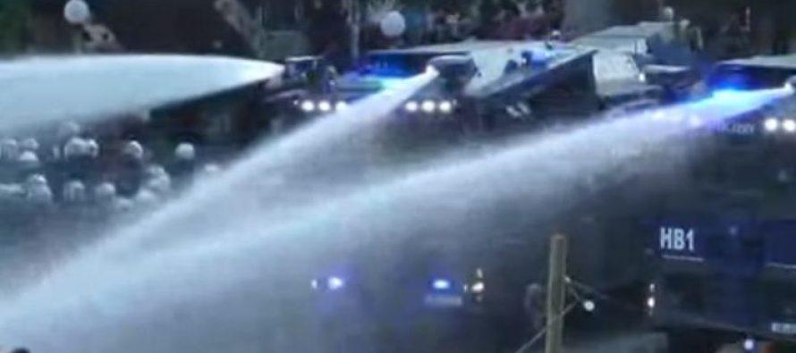 Disturbios dejan más de 75 policías heridos, en Hamburgo