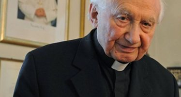 Acusan a hermano de Benedicto XVI de encubrir actos de pederastia