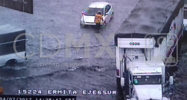 Ocasiona lluvia al menos 24 encharcamientos en CDMX