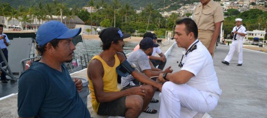 Marina participa en rescate de náufragos en costas de Guerrero