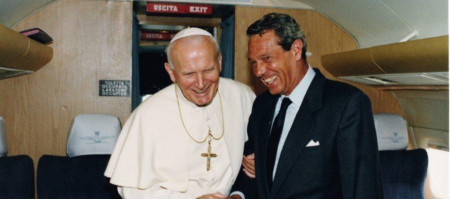 Joaquín Navarro-Valls, vocero papal y amigo de México