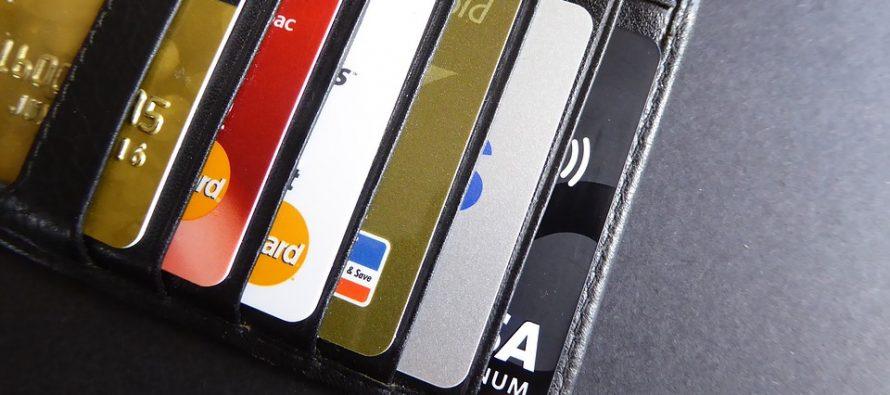 Tarjetas de crédito, principal causa de queja a los bancos