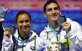 Viviana Peniche y Rommel Pacheco, plata en Mundial de Natación