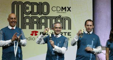 Correrán 25 mil personas en el Medio Maratón de la CDMX