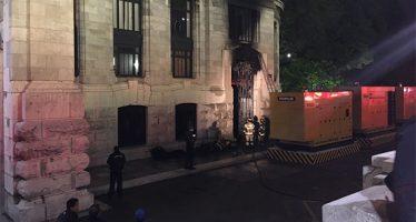 Se incendia parte posterior del Palacio de Bellas Artes