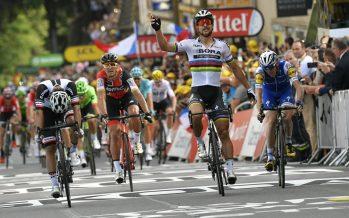 Sagan, expulsado del Tour de Francia por dar codazo a Cavendish