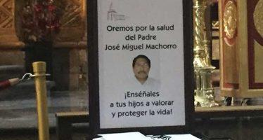 Dan de alta a sacerdote atacado en Catedral Metropolitana