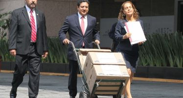Diputados priistas demandan juicio político contra Graco