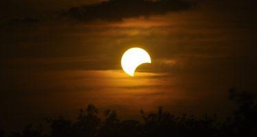 Tecnología y aplicaciones, mejor opción para ver el eclipse solar