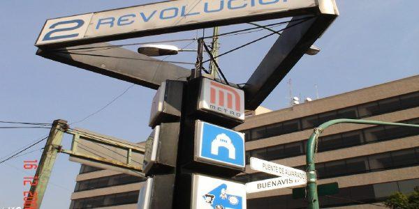 Estación Revolucion, foto de Wikipedia.