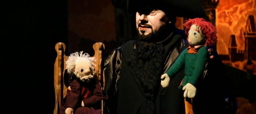 Fausto, un cuento del demonio, una divertida versión con títeres delFaustode Goethe