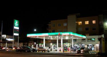 Gasolina Premium baja dos centavos; Magna y diésel, uno