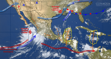 "Baja California Sur en ""peligro alto"" por acercamiento de Lidia"
